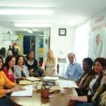 Reunião semanal da equipe multiprofissional da ONG